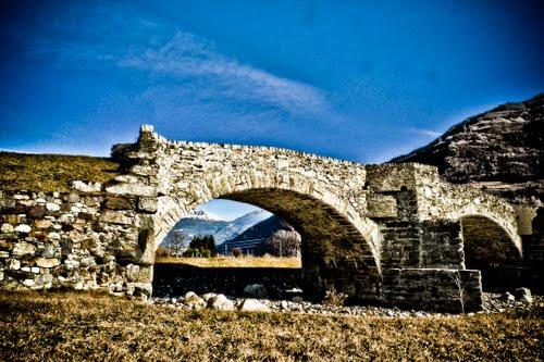 villa-tirano-ponte-romano